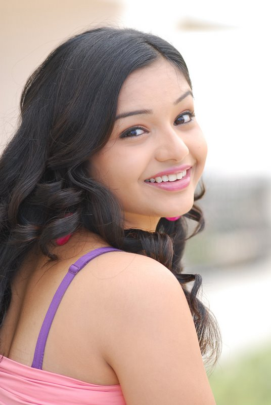 Teen Actress Yamini Cute536